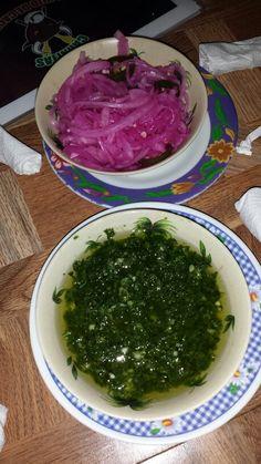 Chimichurri y cebolla encurtida. Honduras.