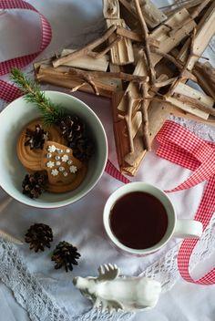 Szaleństwa Panny Matki: Grudniowa Herbatka.Naczynia z Netto w zimowej aranżacji.