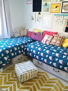 There are lots of different creative ways parents have figured out how to keep their kids in one shared room. Whether those kids ever settle down to actually go to bed, I have no idea. Shared Bedrooms, Teen Girl Bedrooms, Teen Bedroom, Bedroom Decor, Bedroom Ideas, Bedroom Makeovers, Scandinavian Style Bedroom, Ideas Dormitorios, Woman Bedroom