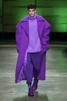 Annakiki Milano - Collections Fall Winter - Shows - Vogue. Look Fashion, Korean Fashion, High Fashion, Fashion Show, Fashion Outfits, Fashion Design, Couture Fashion, Runway Fashion, Mens Fashion