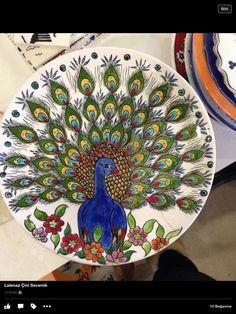 30 cm çini tabak Mihrican sabancılar elinize sağlık.. Pottery Plates, Glazes For Pottery, Ceramic Plates, Mural Painting, Ceramic Painting, Glass Painting Designs, Butterfly Wallpaper, Cool Art Drawings, Indian Paintings