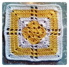 Diamond Granny Square pattern available on Ravelry.  Two patterns available in one for this refreshing granny. An alternate row 5 gives the option to close the chain 2 spaces and work solid rows instead if desired!