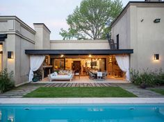 Trendy exterior house modern style dream homes ideas Modern Villa Design, Small Backyard Pools, Stucco Homes, Weekend House, Modern Farmhouse Exterior, House Siding, Mediterranean Homes, Classic House, Minimalist Home