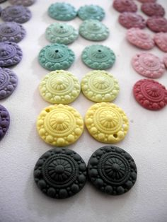 Wow colors!!    Porcelain earrings - Zeeuwse knot - Solid colors - Celadon green Nr.1 - tiny hoops - Noot & zo - Online shop.