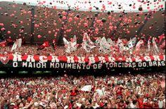 Uma vez flamengo, Sempre flamengo. Flamengo sempre, eu hei de ser. É meu maior prazer vê-lo brilhar, Seja na terra, seja no mar. Vencer, vencer, vencer! Uma vez flamengo, Flamengo até, morrer!