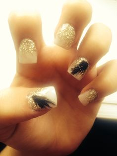 White gold and black feather nails