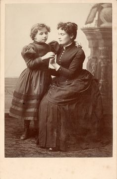 Young Helen Keller and Anne Sullivan, circa 1888. Visit the Perkins Archives Flicker page: http://www.flickr.com/photos/perkinsarchive/collections/