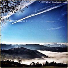 """La #PicOfTheDay #turismoer di oggi ci porta """"al di là delle #nuvole"""" sui #colli di #Bologna :) Complimenti e grazie a @nathalie_saba"""