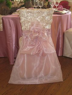 Bridal Shower Chair  www.tablescapesbydesign.com https://www.facebook.com/pages/Tablescapes-By-Design/129811416695