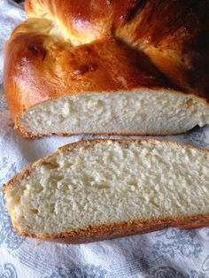 Brioche bread in spanish Bread Machine Recipes, Bread Recipes, Food N, Food And Drink, Food For The Gods, Donuts, Argentina Food, Brioche Bread, Salty Foods