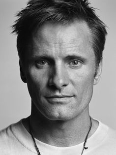 Le portrait en noir & blanc de Viggo Mortensen