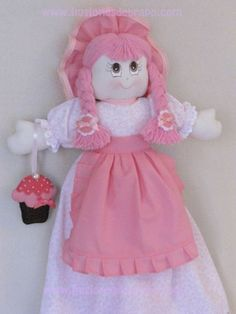 Visita la entrada para saber más Crochet Butterfly Pattern, Plastic Bag Holders, Plastic Bags, Sunflower Drawing, Soft Dolls, Pin Cushions, Holidays And Events, Princess Peach, Needlework