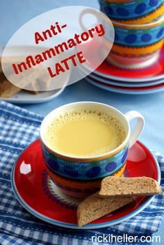 Anti-Inflammatory Latte: made with common household ingredients, this delicious #dairyfree #sugarfree beverage helps you combat inflammation! #recipe