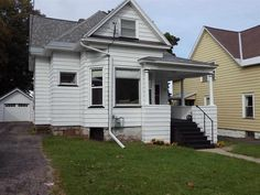 SOLD! 125 E Park St - Marquette MI. MLS# 1083413. Great Location! 4 BD/2 BA home offers tons of natural light and large bedrooms. Beautiful new and refinished original hardwood flooring throughout! Kitchen includes walk-in pantry. Main floor laundry room. Fenced in backyard. Updated one car detached garage  (roof, doors and windows). New water heater in 2015!  some newer windows. Exterior painted June 2014 (5 yr warranty transferable to new owners). Walking distance to Lake Superior and NMU!