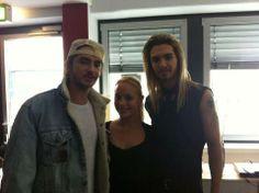 Bill,Tom y una fan