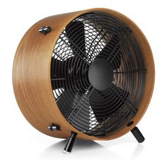 Otto is an adjustable industrial fan, a wooden fan with a contemporary style. Designed by Carlo Borer for Swiss company Stadler Form the Otto Fan has a wonderful retro design with a superb bended and oiled wooden ring made of African sapele wood. Industrial Fan, Design Industrial, Console Design, Wooden Fan, Genius Ideas, Braun Design, Floor Fans, Electric Fan, Deco Design