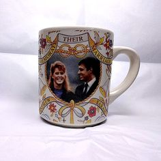 1986 royal wedding of Prince Andrew and Sarah Ferguson, commemorative mug decorated by Fenton China.