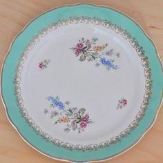 Assiette rétro fleurie, esprit salon de thé - Boutique vintage : www.paulineetpaulette.fr