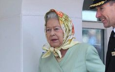 Queen Elizabeth in pastel favorite color is yellow (as mine is!!)