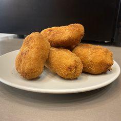 Croquetas de jamón al estilo de Juan #receta #recetasMycook Muffin, Breakfast, Food, Serrano Ham, Lactose Free, Food Processor, Egg Wash, Food Items, Style