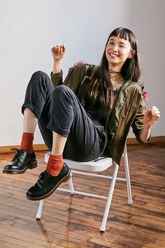 Martens Oxford at Urban Outfitters today. We carry all the latest styles, colors and brands for you to choose from right here. Dr. Martens, Dr Martens Stil, Style Dr Martens, Dr Martens Boots, Doc Martens Oxfords, Oxford Outfit, Dr Martens Outfit, Doc Martens Fashion, Estilo Tomboy