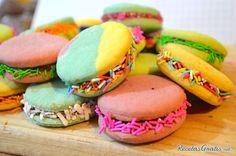 Receta de Alfajores de colores - Paso 9 Easter Recipes, Salmon Burgers, Macarons, Bakery, Sugar, Cookies, Relleno, Ethnic Recipes, Sweet