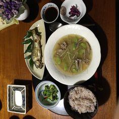 日本の食卓 五月 ソラマメとタケノコのスープ、鮎の塩焼き