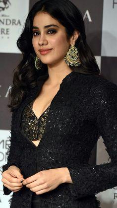 Bollywood Actress Hot Photos, Indian Actress Hot Pics, Beautiful Bollywood Actress, Indian Actresses, Hot Actresses, Beautiful Girl Indian, Beautiful Girl Image, Most Beautiful Indian Actress, Prettiest Actresses