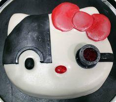 Borg Hello Kitty Cake because reasons. The genius.
