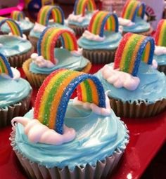 Prevent Obesity In Kids Rainbow Cupcakes. - Check out these cute cupcakes from around the world. 30 cute cupcake ideas and probably one of the most delicious cupcakes I've ever had. Cupcakes Bonitos, Cupcakes Decorados, Yummy Treats, Sweet Treats, Yummy Food, Rainbow Food, Rainbow Candy, Rainbow Brite, Cake Rainbow