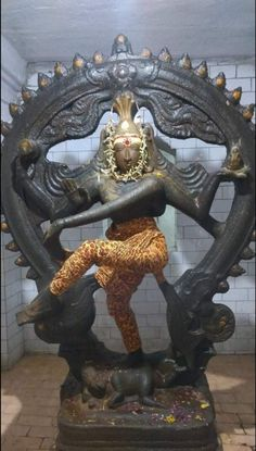 Goddess Lakshmi, Om, Lion Sculpture, Statue, Sculptures, Sculpture
