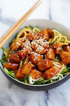 Honey Sriracha Chicken Zucchini Noodles | Easy Delicious Recipes