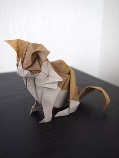 Origami Cat, designed by Kyohei Katsuta, folded by Hiroaki Kobayashi (Lonely-Shiba) Gato Origami, Origami And Kirigami, Origami Paper Art, Oragami, Diy Paper, Paper Crafts, Deco Originale, Origami Tutorial, Origami Instructions
