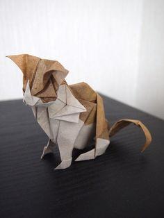 Origami Cat, designed by Kyohei Katsuta, folded by Hiroaki Kobayashi (Lonely-Shiba)