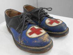 Vintage Doc Martens Rare First Aid Red Cross door kissmyattvintage