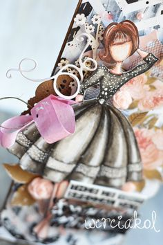Hej, dziś będzie kartka urodzinowa z moim zlotowym nabytkiem:) Lalą Julie Nutting Audrey:) Ach jaka ona jest wdzięczna:) Ta jej sukienka. Sz...