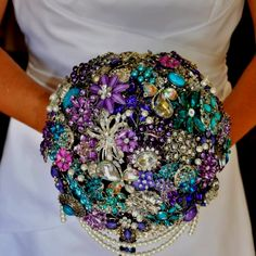 Broche bouquet! I want to make one for my wedding bouquet