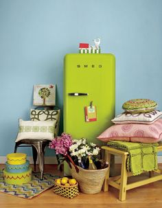 pictures of the color chartreuse - Google Search