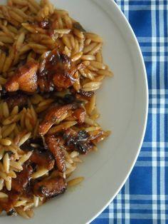 """""""Ευελιξία"""": Να μια λέξη που μου αρέσει πολύ. Είναι μεγάλο προνόμιο να είσαι ευέλικτος, να προσαρμόζεσαι εύκολα, χωρίς πολλά πολλά, χωρίς γκ... Spaghetti, Pork, Food And Drink, Meat, Chicken, Ethnic Recipes, Gastronomia, Kale Stir Fry, Pork Chops"""