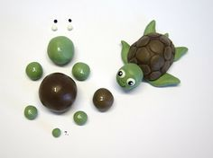 Fondant Turtle Tutorial. Must add to my turtle collection. :)