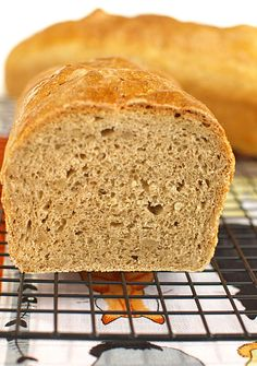 Chleb pszenno-żytni z ziarnami słonecznika (na drożdżach) - MniamMniam.pl Bread Recipes, Banana Bread, Desserts, Food, Buns, Rye, Tailgate Desserts, Essen, Postres