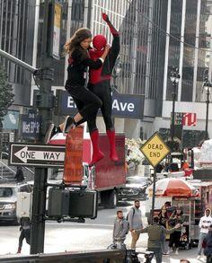Tom and Zendaya on set of Spiderman: Far from Home Tom Parker, Tom Holland Peter Parker, Iron Man Cartoon, Tom Holland Zendaya, Interracial Love, Zendaya Coleman, Marvel Movies, Marvel Cinematic Universe, Marvel Avengers
