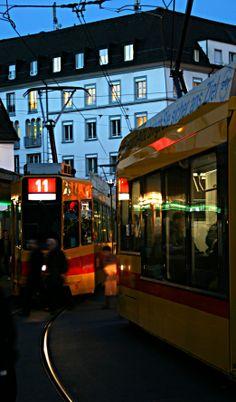 Basel: trams crossing in Barfusserplatz