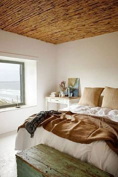 May do ceilings in bedroom like the ones in hut.