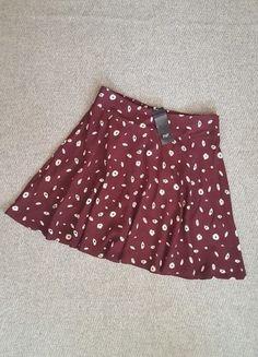 Įsigyk mano drabužį #Vinted http://www.vinted.lt/moteriski-drabuziai/sijonai-iki-keliu/21068660-vasariskas-dailus-geletas-ff-sijonas