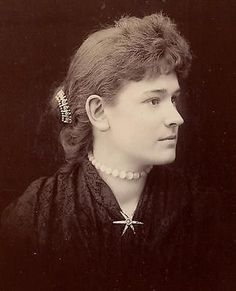 Lovely Cedar Falls Iowa Woman Star Pin Choker Hair Jewelry Antique Cabinet photo
