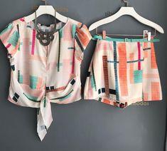 Conjunto LETICIA crepe print🎀 ⚪️R$279,00 ⚪️Tam PM ⚪️COMPRAS PELO SITE ⬇️ www.sibellemodas.com.br ⚪️PARCELAMOS NO CARTÃO EM 06 X SEM JUROS ⚪️A VISTA 8% DESC BOLETO ⚪️📲WHATSAPP (11)941531111 Short Outfits, Cool Outfits, Summer Outfits, Boho Fashion, Kids Fashion, Fashion Outfits, Teenage Outfits, Two Piece Outfit, Blouse Styles