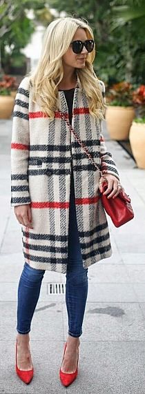 White Multi Plaid Coat by Atlantic - Pacific women fashion outfit clothing stylish apparel closet ideas Looks Style, Looks Cool, Fall Winter Outfits, Autumn Winter Fashion, Winter Wear, Spring Outfits, Winter Style, Baby Winter, Mode Outfits