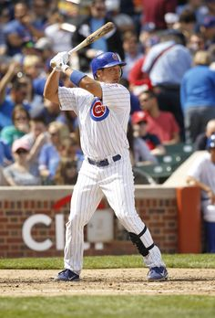 Vote #Cubs second baseman Darwin Barney for the 2012 MLB All-Star Game! Fact: He had a seven-game hitting streak from April 7-13.