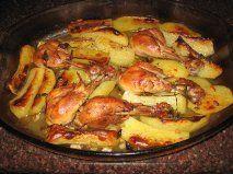 Asado de muslos de pollo y patatas doradito
